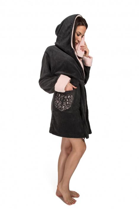 5901282044155-envie-bathrobe-heartbeat-woman_dark-grey-01-1539000360_dd2efa357aa5a9e00f8fb07b12ee180fdc48857a_5230.jpg